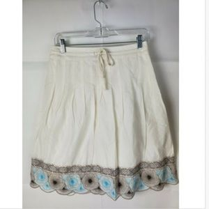 Ann Taylor  size 0 skirt scalloped flare white